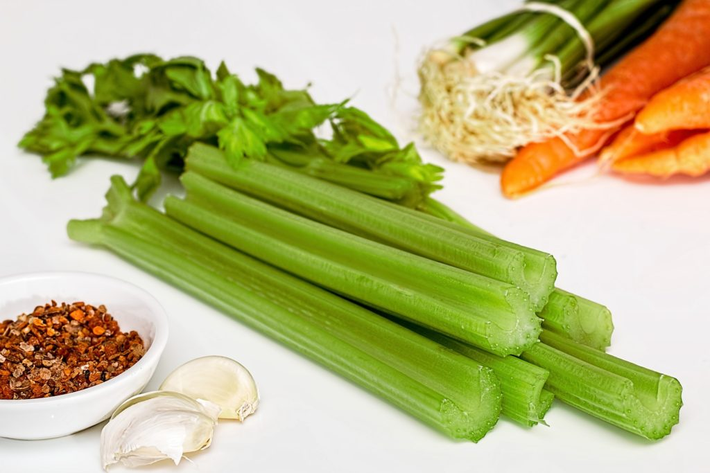 low carb vegetable: celery