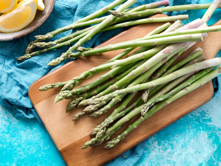 Asparagus-best-veggies-for-keto