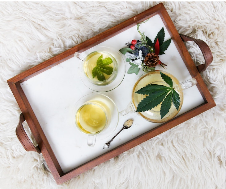 Serving tray with cannabis leaf